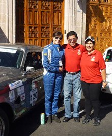 Rotarians in Mexico promote polio eradication during the Panamerican Car Race.