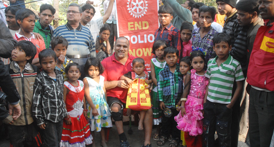 Polio survivor and Rotarian Ramesh Ferris meets Rukhsar Khatoon, India's last reported case of polio.