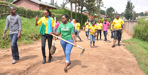 Rotaractors take part in clean up
