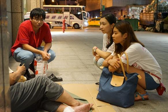 Rotaractors deliver Bento Boxes