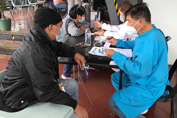 patients being screened for vaccinations