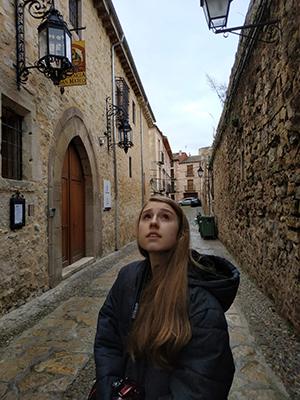 Mia Henderson in Sigüenza, Spain,